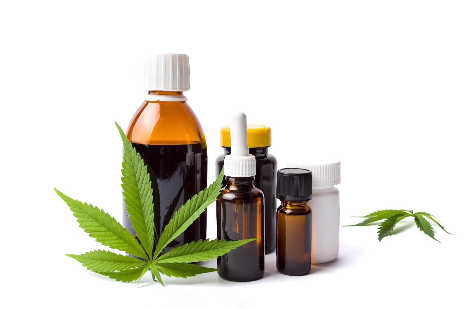 marijuana-leaf-oil